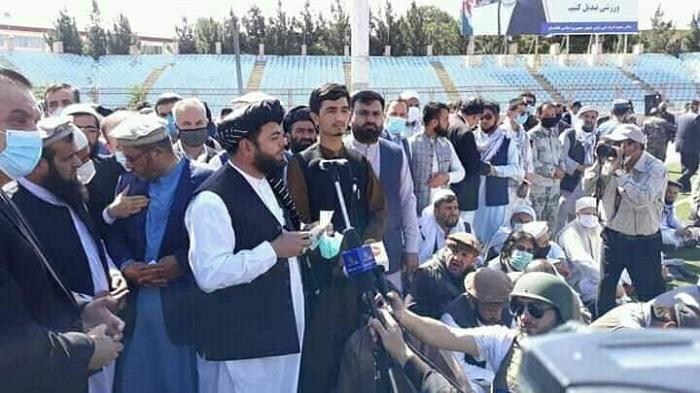 ادای نماز جنازه شهید دکتور محمد ایاز نیازی خطیب مسجد جامع وزیر محمد اکبر خان