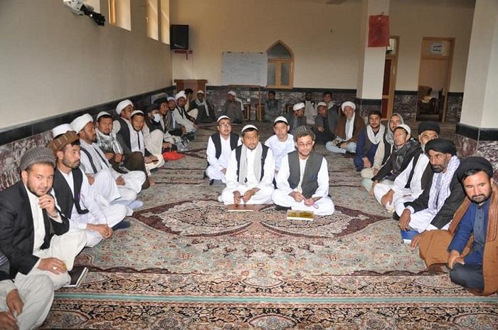 د ارشاد، حج او اوقافو وزارت سرپرست په کابل کې له دارالمعارف اهل بیت  مدرسې څخه لیدنه وکړه