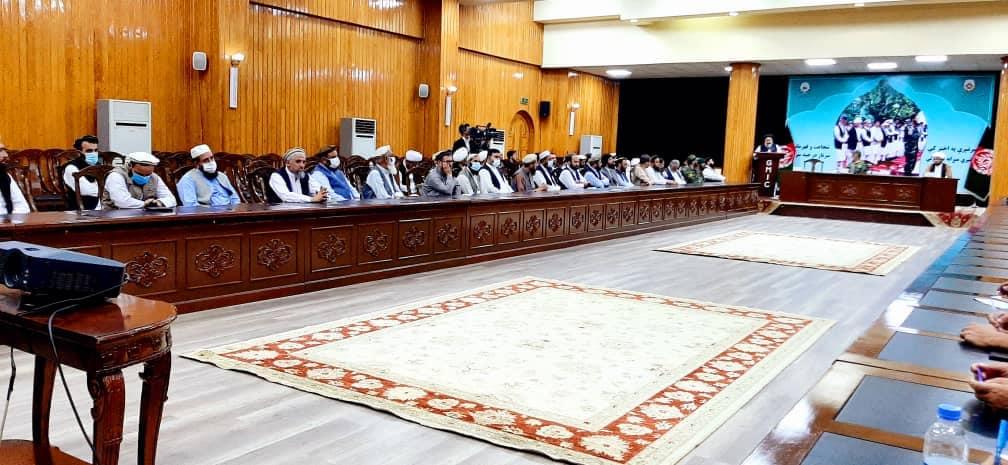 قدردانی وزارت ارشاد، حج و اوقاف از افسری که نماز عید قربان را در ارگ امامت کرد